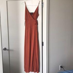 Dresses & Skirts - Burnt orange size small maxi dress